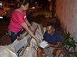 AMAS distribui alimentos para moradores de rua em Macapá