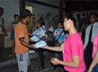 Moradores de rua recebem alimentos em Macapá
